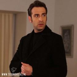 Erhan Alpay es Akın Vardalı en La Hija del Embajador aqui completo en USB y DVD.