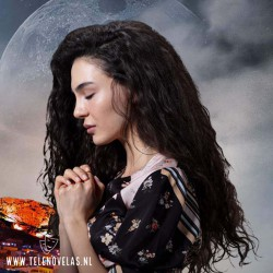 EBRU ŞAHIN ES REYYAN SADOGLU Comprar la Serie Turco Hercai completo en USB y DVD.