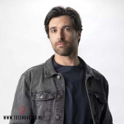 [www.telenovelas.nl]Osvaldo de León como Héctor Morales.