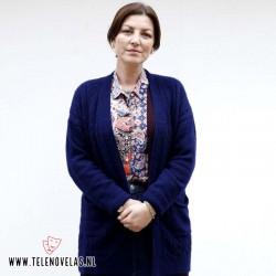 Zeynep Kumral interpreta a Müjgan, la hermana de Medhi.