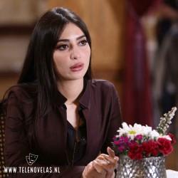 Tierra amarga (Bir Zamanlar Çukurova) Melike Ipek Yalova es Dr. Müjgan Akkaya[www.telenovelas.nl]
