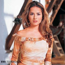 Danna Garcí interpretando a Norma Elizondo en Pasión de Gavilanes.