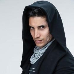 Alex Perea es Manu en Sin miedo a la verdad.